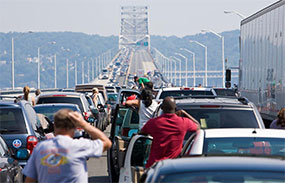 Picture of Traffic on the Tappan Zee Bridge
